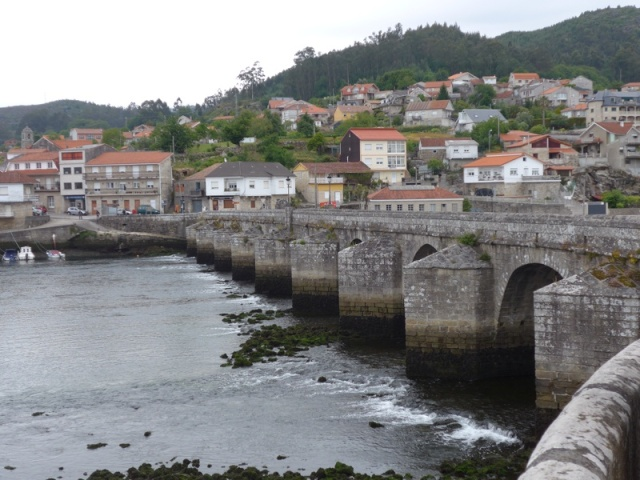 Bridge over the Rio de Vigo at the pretty town of Arcade (day 25)